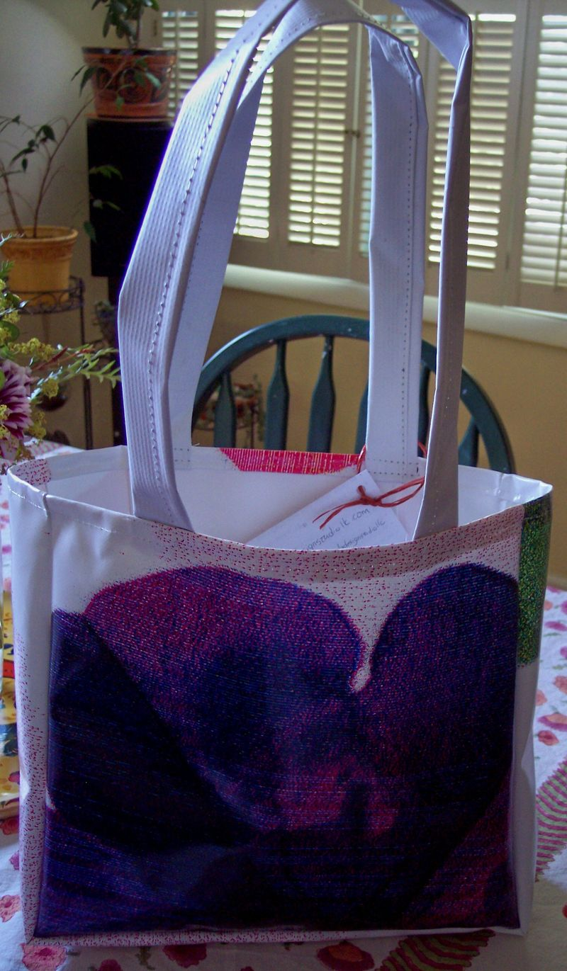 Trendi tote billboard bag