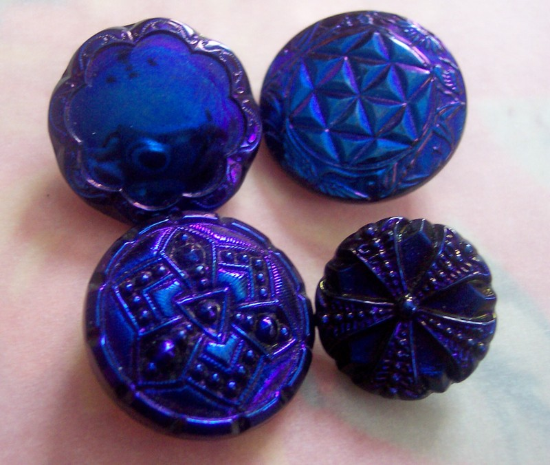 Blue_vintage_buttons