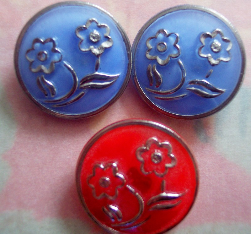 Flower_vintage_buttons